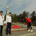 Возложение цветов к воинскому мемориалу Победы.